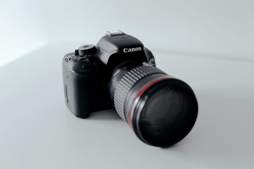 7 Rekomendasi Kamera Terbaik Untuk Fotografer Pemula Tahun 2021